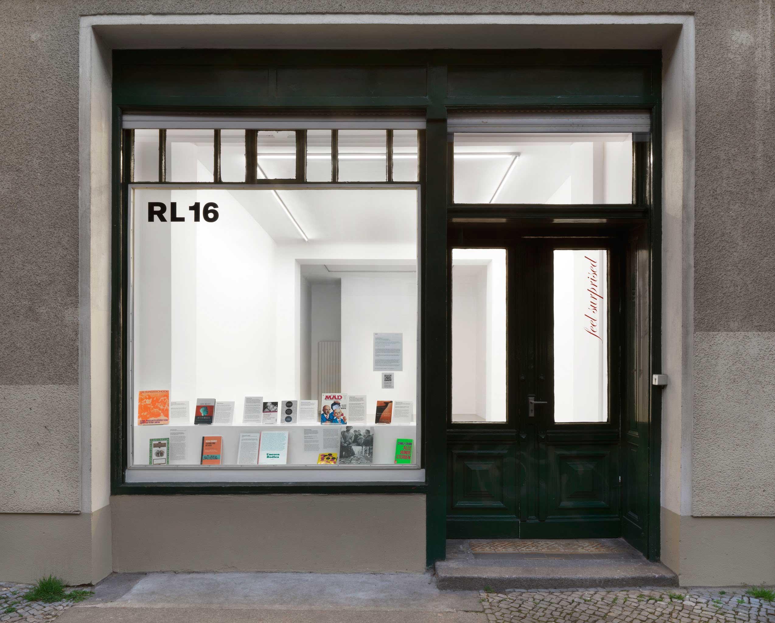 <p>Ausstellungsansicht, Foto: Jens Ziehe</p>